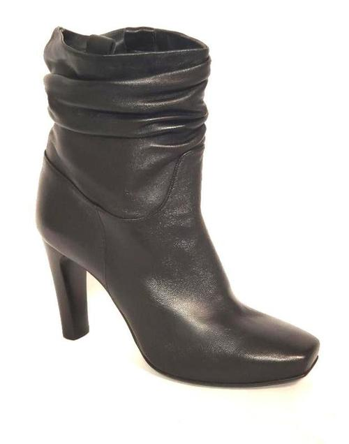 Black Leather Pull On Anckle Boots