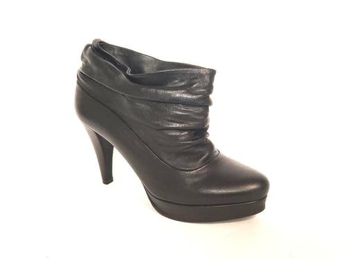 Black Leather Pull On Ankle Boots