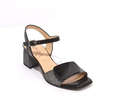 Black / White Leather Ankle Strap Buckle Sandals