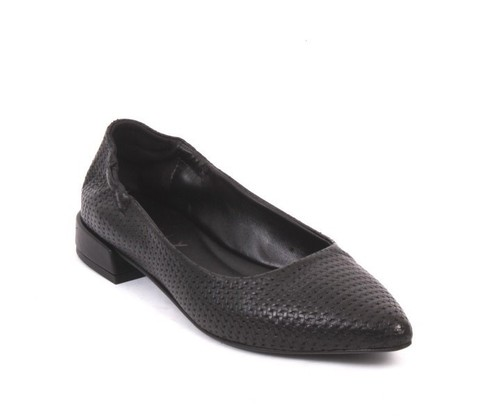 Black Stamped Leather / Pointy Toe / Ballet Flats
