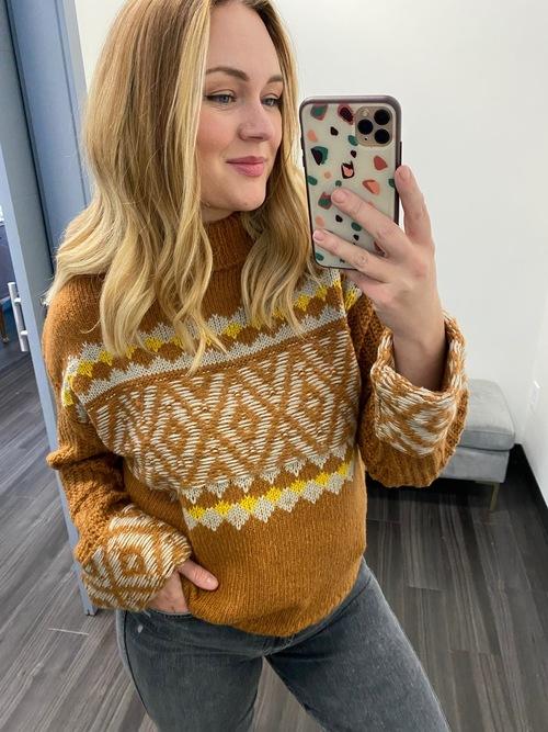 Turtleneck Patterned Sweater W/Detailed Sleeve Rust