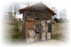 bijenhotel maken met dak