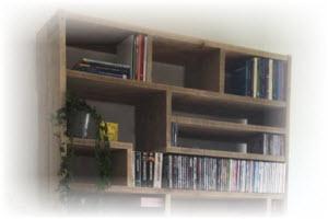 zelf een boekenkast maken aan de wand of muur