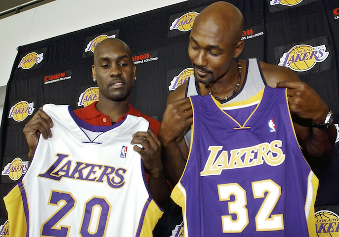 4522768079d7 He chased a ring by joining the Los Angeles Lakers. Along with Karl Malone