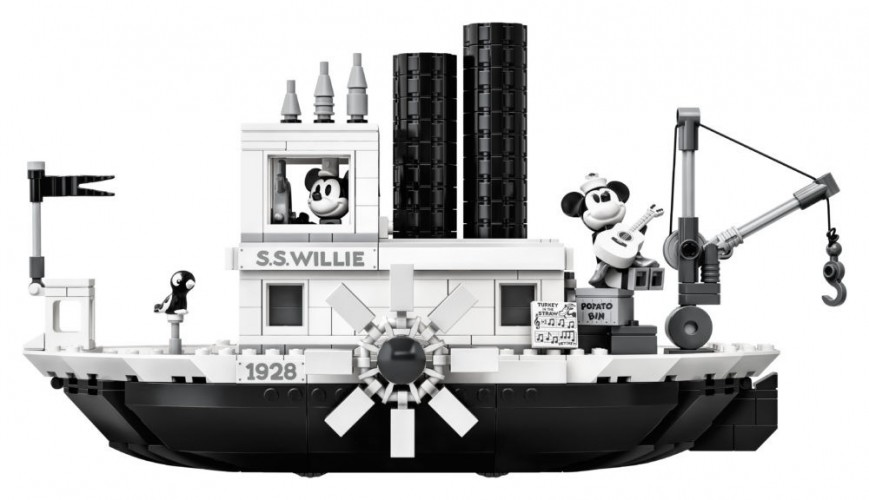 LEGO-Ideas-21317-Steamboat-Willie-7.thumb.jpg.f9b01d0d0315ab8ac3bbd71df7150139.jpg