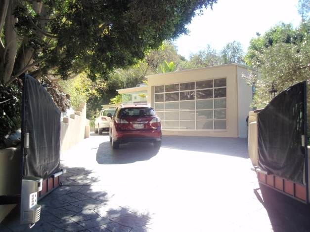 Get last huge parcel in Beverly Hills