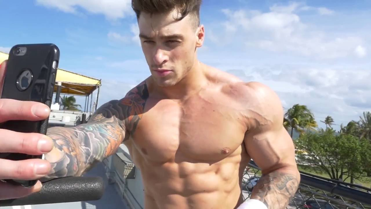 5-TIPS-to-Becoming-a-Fitness-Model-with-HARRISON-TWINS