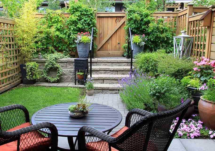 Gardening and Landscaping Design Ideas for Small Backyards ...