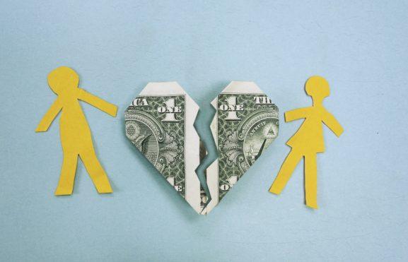Dinero NO es sinónimo de matrimonio feliz