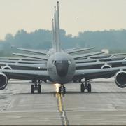 Iphone 3x retina military jets 746271 1280