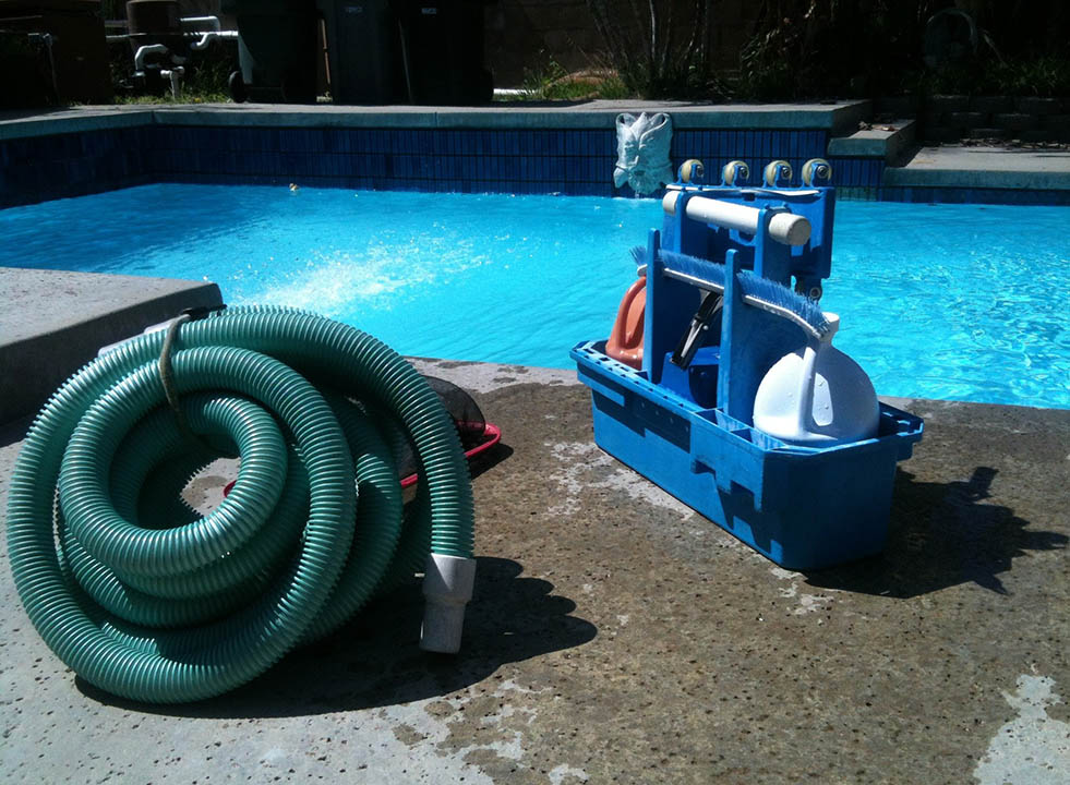 Pool cleaning 330399 1920