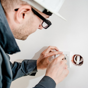 Electrical contractor (1)