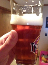last pour of Mulebroue Daddy Daughter Dance (Simcoe/Mosaic APA).  Note the pink wagon #homebrew #brewvu http://t.co/m8bLhPmbSH