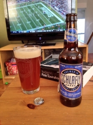Quiet house, football, a book, and a Schlafly Oktoberfest. Nice little Sunday. #brewvu http://t.co/OrN0oktQdz