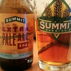 Good ol' Summit Extra Pale. Not really that pale, but extra good. #brewvu http://t.co/kdHWtw01d9