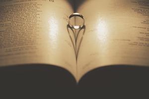 Marriage-medium