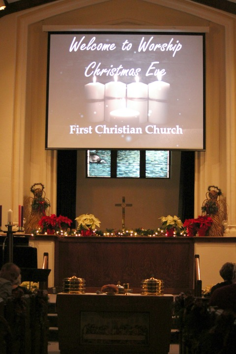 2015-12-24%20church%20christmas%20eve%20service%20(1)-web