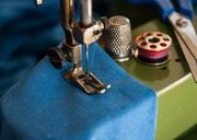 Sewing-machine-1369658_960_720-medium