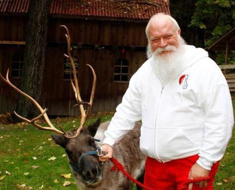 1santa%20with%20his%20reindeer-web