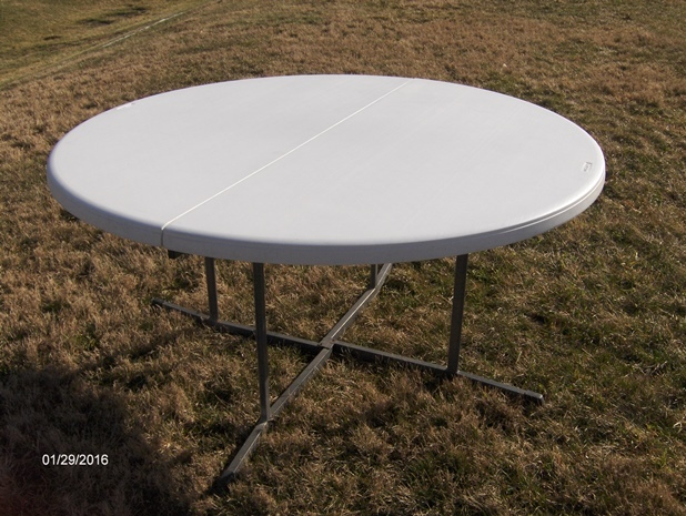 5%20ft%20round%20table%20(3)-web