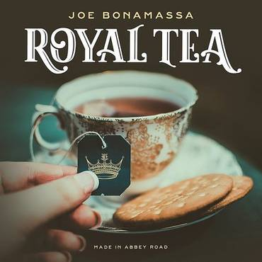 Royal Tea [Artbook With Gold Vinyl & Bonus CD] [Import]