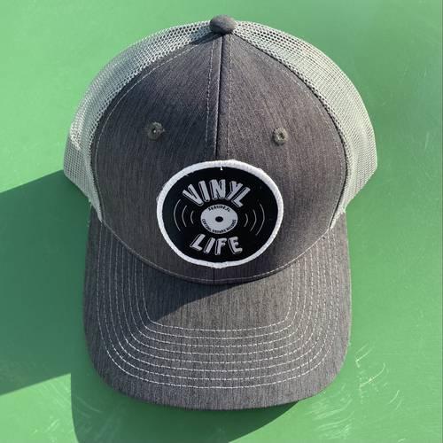 - VINYL LIFE TRUCKER HAT (GREY)