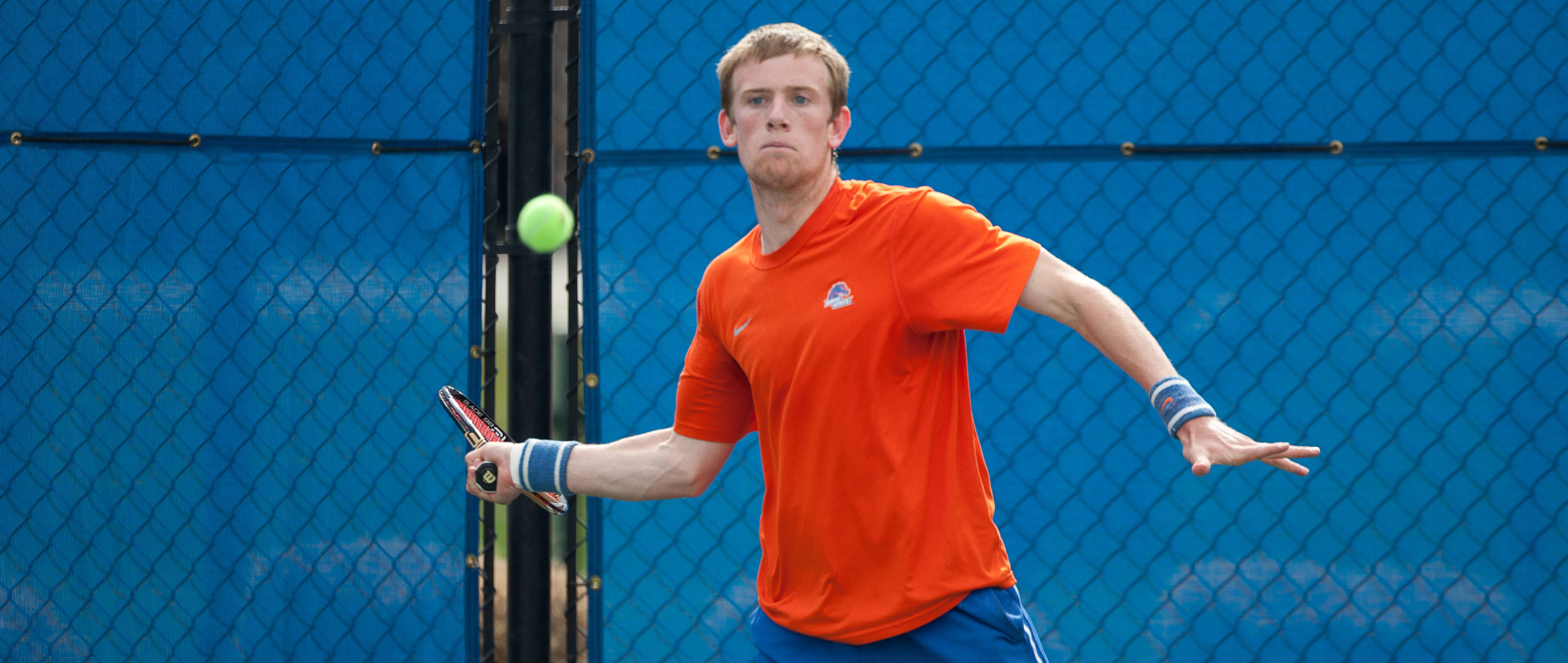 Andy Bettles ranked 54th nationally in singles.