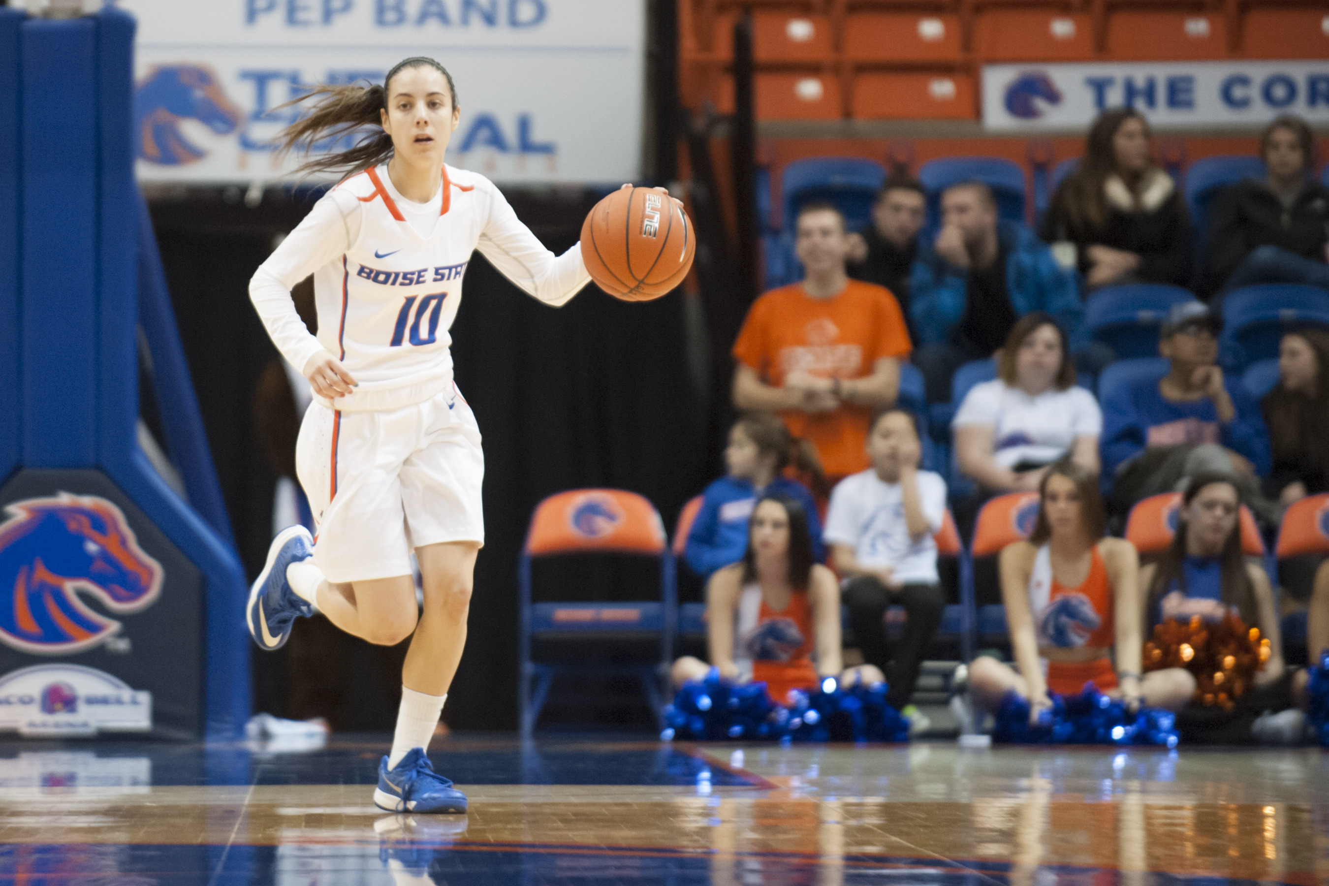 Yaiza Rodriguez Ortego leads the Broncos with 75 assists.