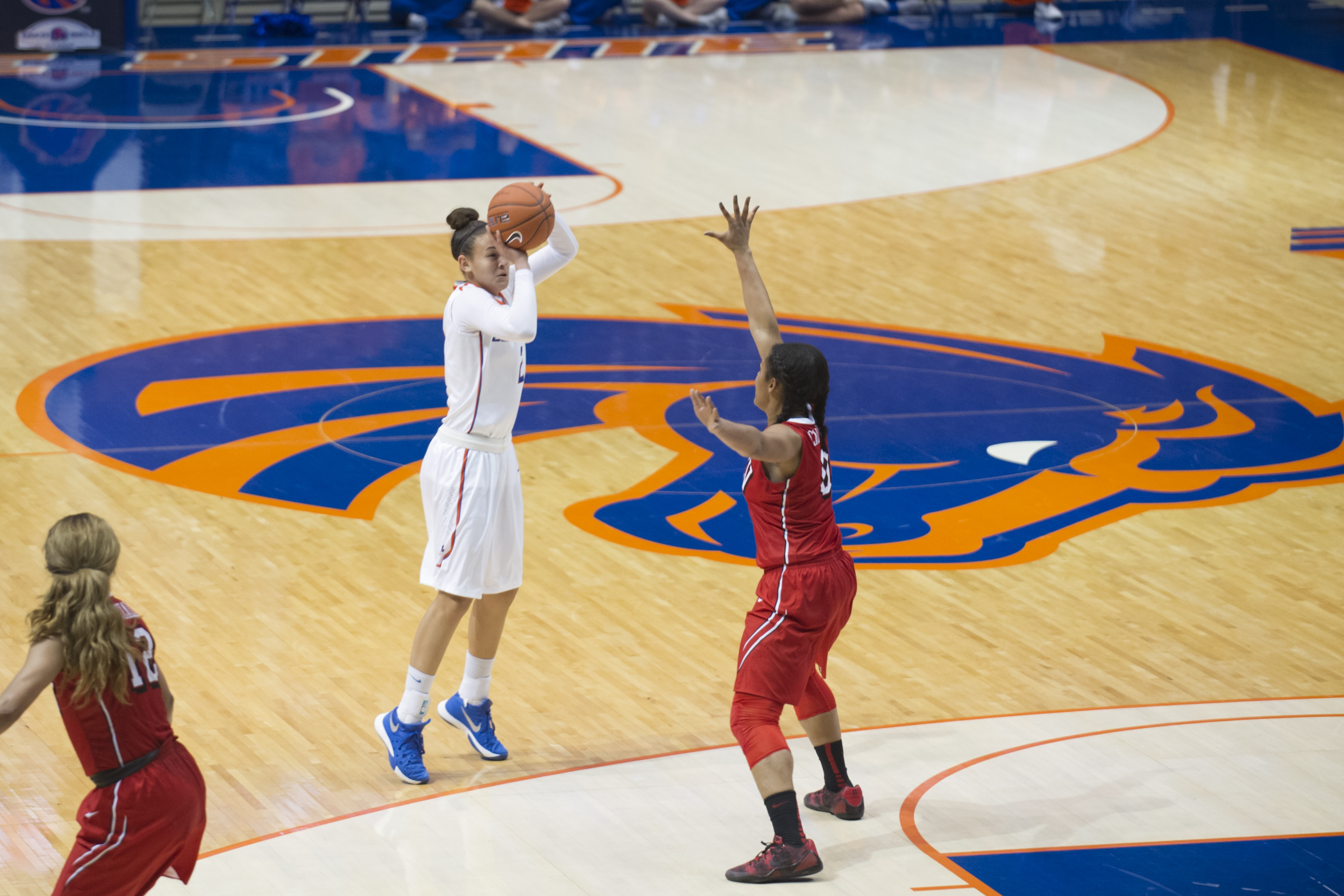 Shalen Shaw recorded her ninth double-double in the loss.