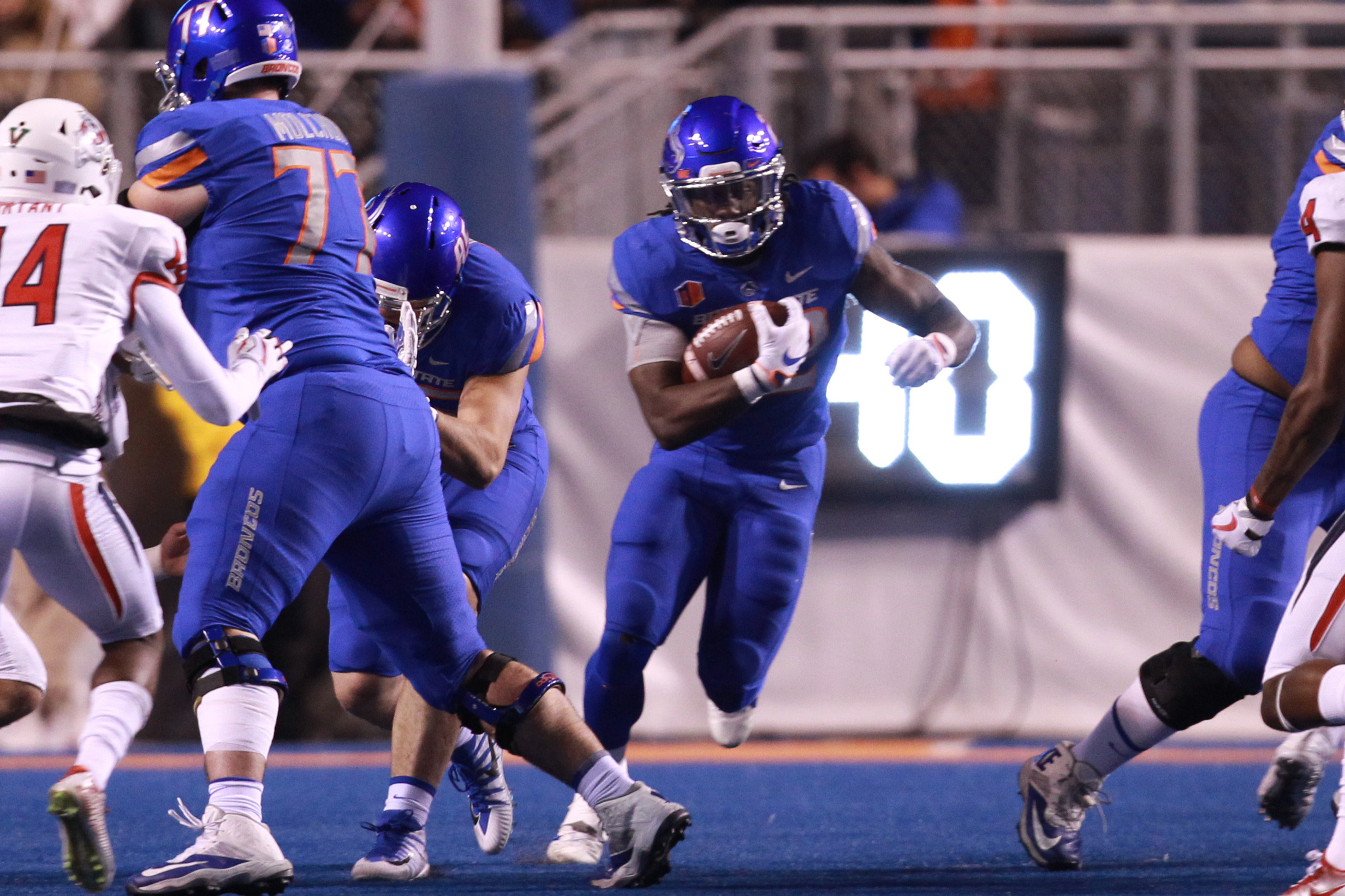 15 Broncos Recognized By Athlon Sports Official Athletic Website Of The Boise State Broncos