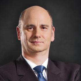 Hubertus M. Mühlhäuser, Chief Executive Officer, CNH Industrial N.V., Chief Executive Officer, CNH Industrial N.V.
