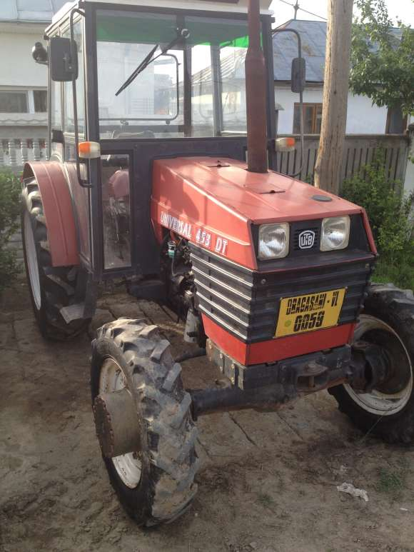 VAND Tractor UTB DTC 453