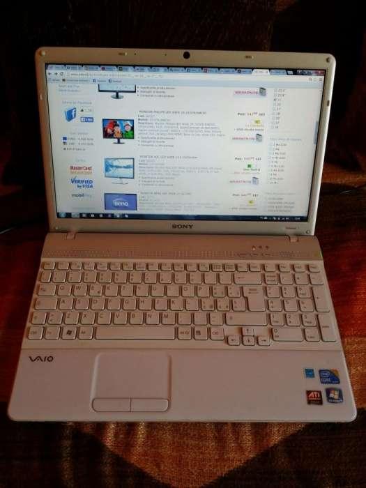 Laptop Sony VAIO VPCEB1A4E