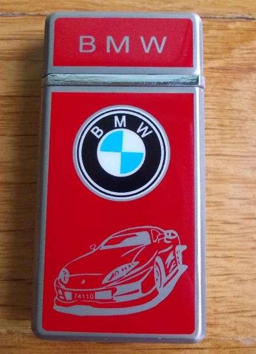 Bricheta BMW De Culoare Rosie Cu Sigla Frontala