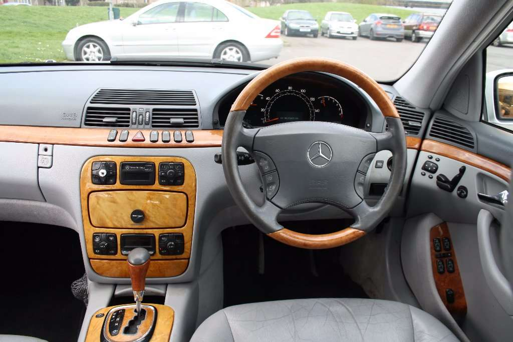 Mercedes-Benz S 320 Din 2002 - 330,000 Km