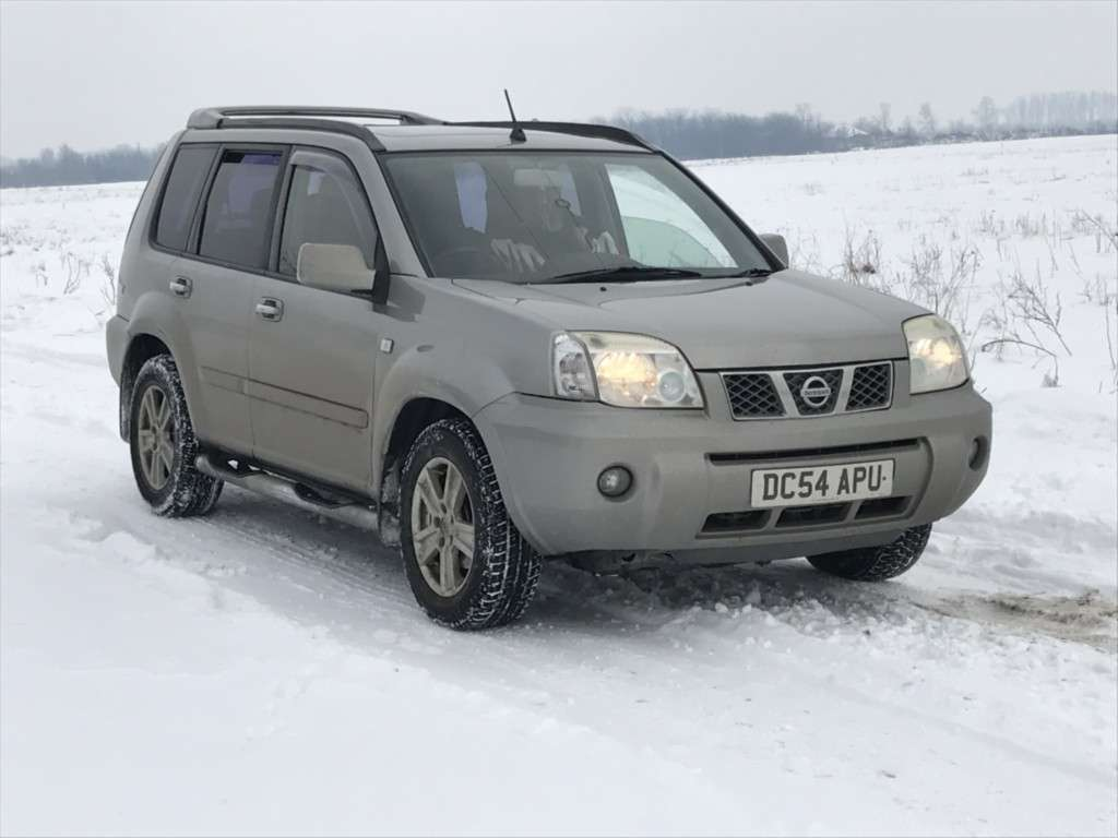 Nissan X-Trail Din 2005 - 200,000 Km