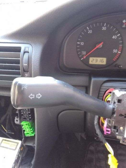 Maneta Semnalizare VW Golf 4 Bora Passat Sharan Skoda Seat
