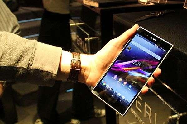 Sony Xperia Z Ultra 4G (ecran 6'4 IPS, Quad Core, 2GB Ram, 16GB Etc)
