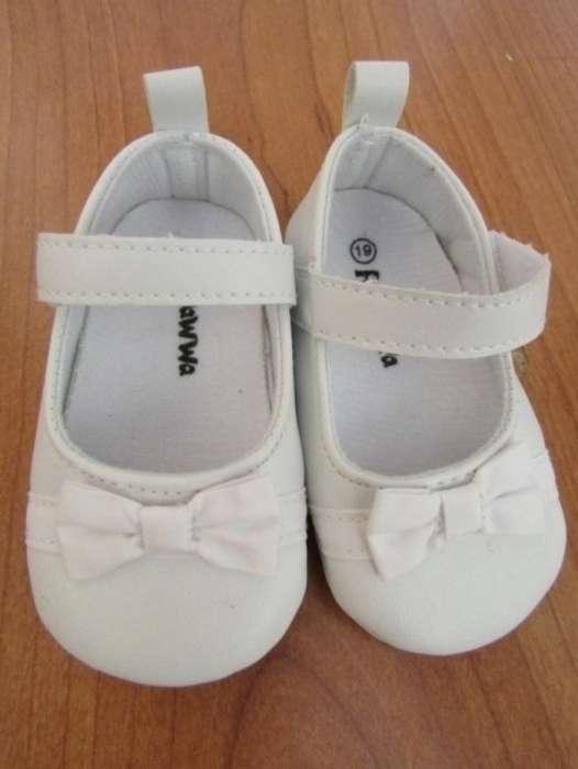 Sandale Fetite Marimea 19 - Produs Nou