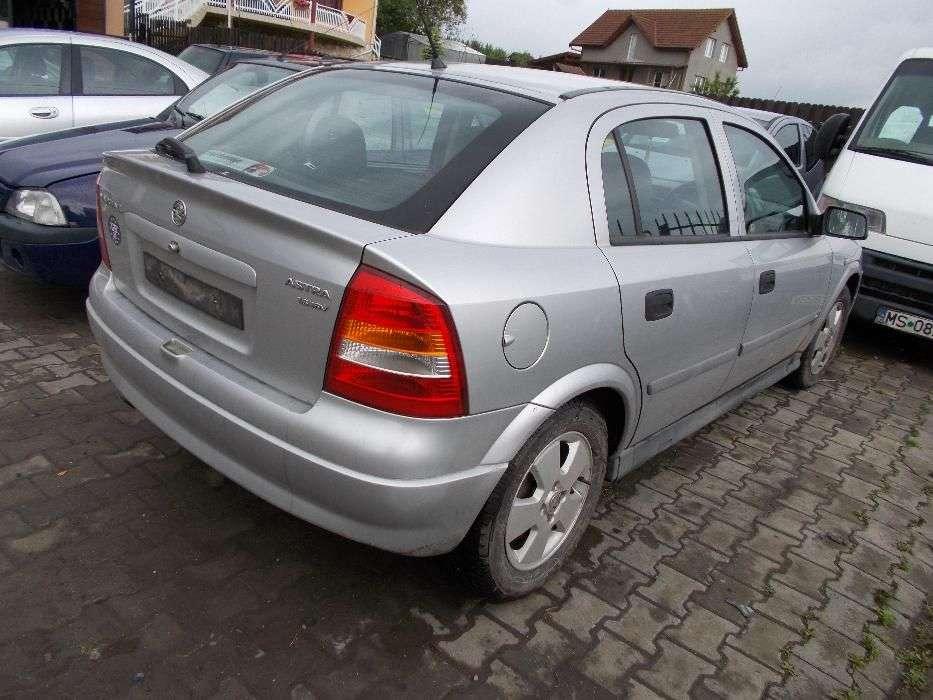 Opel Astra G 1.6i-16v