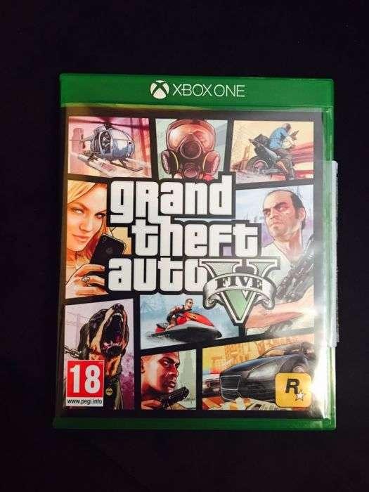 Vând GTA 5 Xbox One