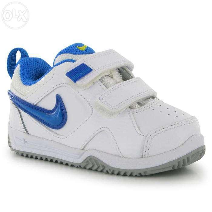 Adidasi Nike Marimea 22