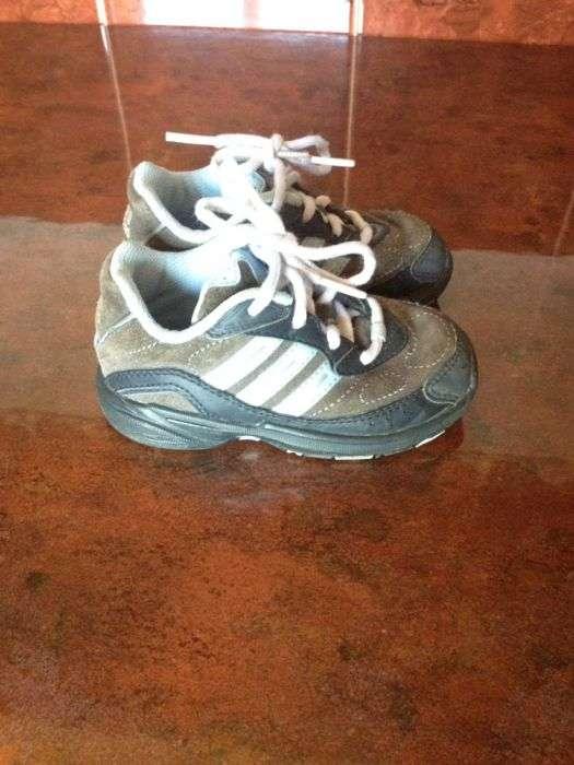 Adidași Adidas , Masura 22, 13 Cm Interior