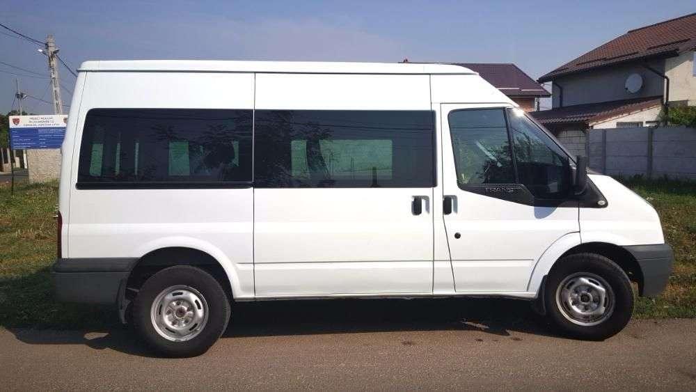 Inchiriez Microbuz 8+1 FORD TRANZIT