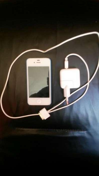 Vand Telefon IPhone 4S Alb Cu 16 GB Memorie .