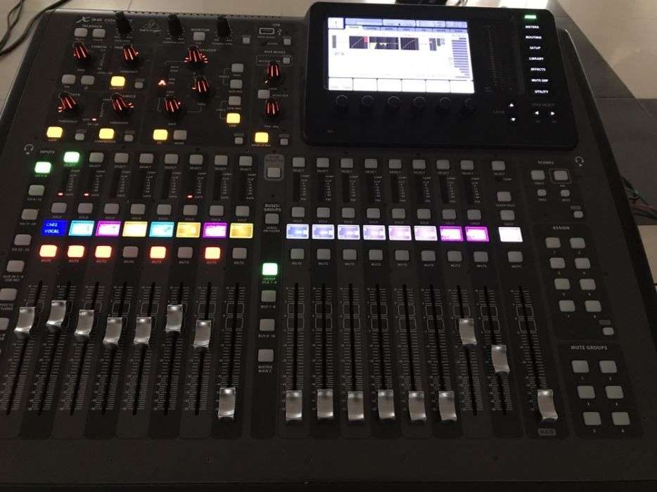 Behringer X32 Compact + Case