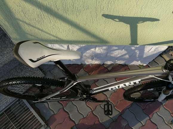 GIANT XTC 2 GRAY ALUX 26 Marime M Model 2016 Bicicleta Trek Ktm Cube Fox Rock Shox Mtb