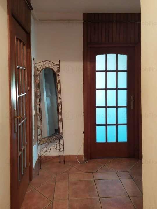 IASI, Piata UNIRII - Apartament 2 Camere De Inchiriat