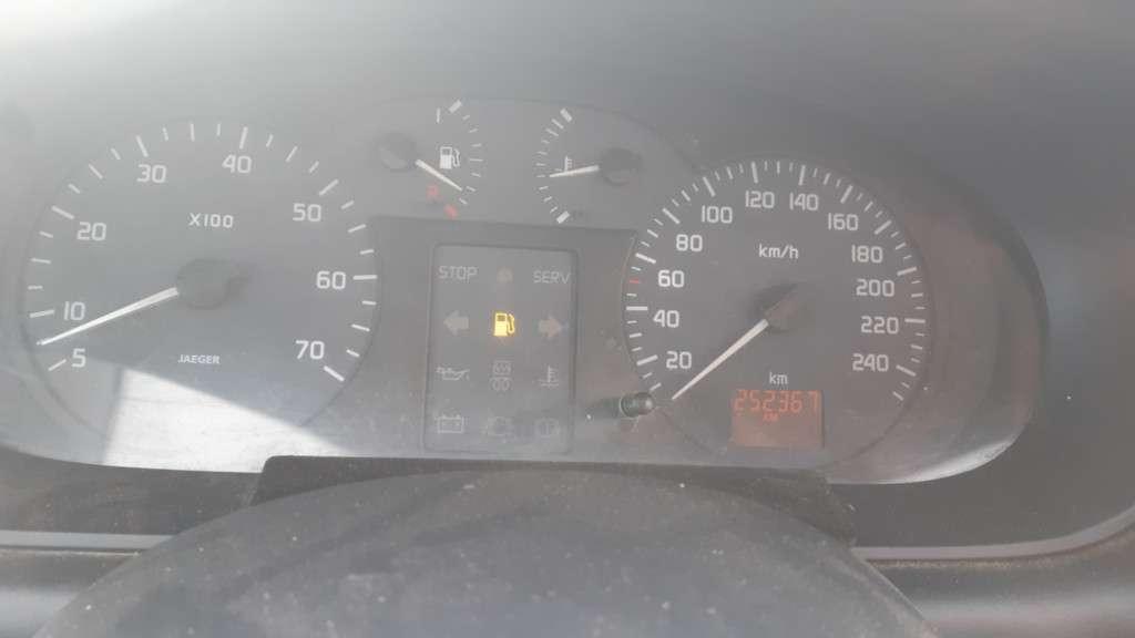 Renault Megane Din 1999 - 250,000 Km