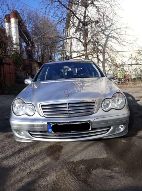 Mercedes-Benz C 180 Din 2005 - 280,000 Km